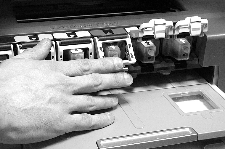 Перезаправляемые картриджи HP 177 в принтере