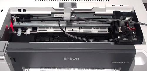 СНПЧ в принтере K101 (крышка картриджного отсека снята)