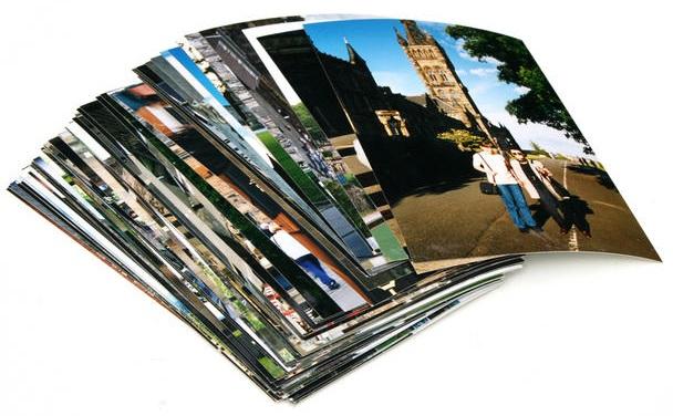 Стопка распечатанных фотографий