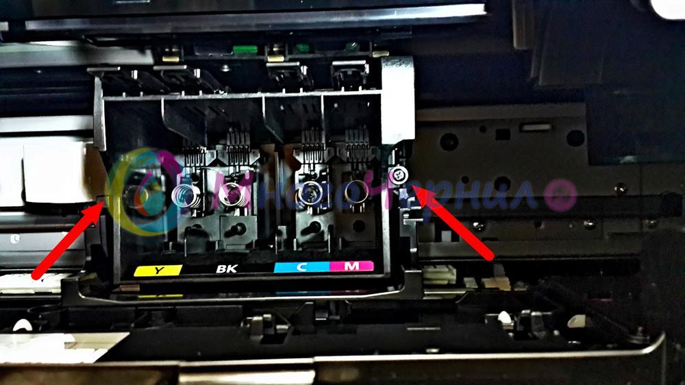 Правый болт крепления печатающей головки (ПГ) на Canon Maxify