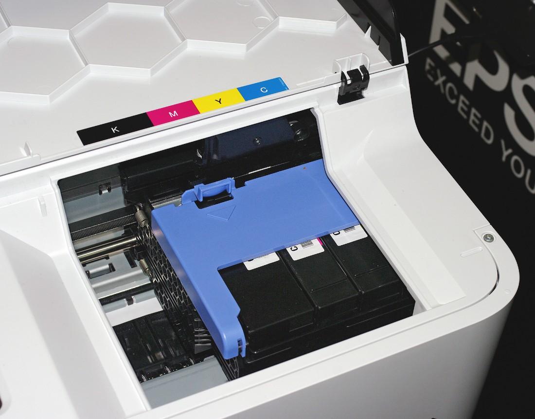 Отсек с картриджами на Epson SC-T3100